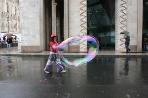 a milano bolle in piazza duomo